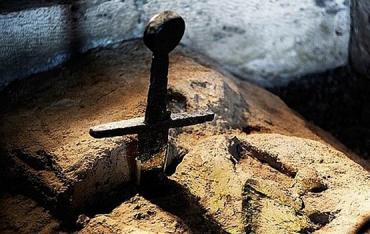 Волшебный меч в аббатстве Сан-Галгано
